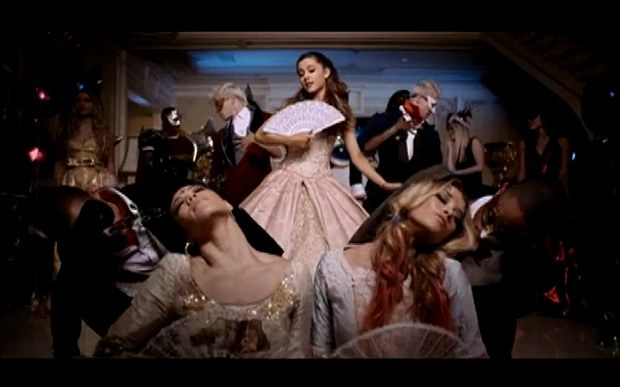 ariana-grande-shakes-fan-in-right-there-video