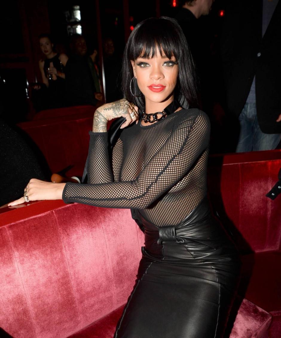 Rihanna-64
