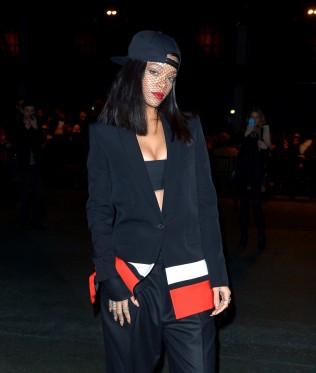 essencecom-rihanna-attends-the-givenchy-show-as-part-of-the-paris-fashion-week-womenswear-fallwinter-2014-2015-in-paris-france_316x373_47